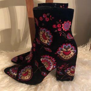 LOEFFLER RANDALL Embroidered Isla Boots Sz 7 EUC